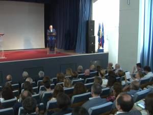 Valentin Popa vrea ca profesorii performanți din școlile de la oraș să predea și în mediul rural