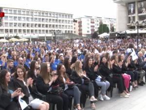 Studenţii şi universitarii i-au sărbătorit pe absolvenţii promoţiei 2018