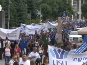 Marşul Absolvenţilor USV, ediţia 2018, a cucerit străzile oraşului