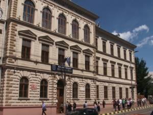 Doi elevi din județ, eliminați din examenul de bac, după ce le-au sunat telefoanele în timpul probei de la română