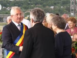 """""""Cuplurile de aur"""" și """"Cetățenii de Onoare"""", premiați pe scenă, la Zilele Sucevei"""