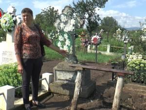 Cruce de o jumătate de tonă furată din cimitir, în urma unui conflict între familii