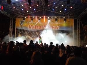 """Irina Rimes a cucerit publicul din Vatra Dornei, care i-a cântat """"La mulți ani!"""", cu anticipație"""