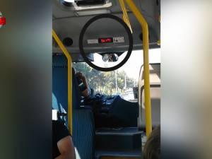 Călători ţinuţi la 37 grade Celsius, într-un microbuz TPL dotat cu aer condiţionat