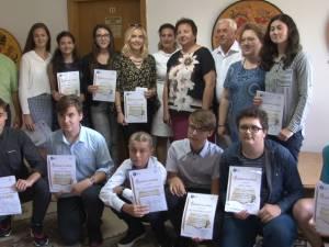 Diplome şi premii în bani pentru cei 14 elevi suceveni cu 10 la examenele naţionale