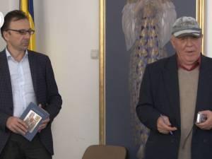 """Premiile Fundației """"Roman Istrati"""" pentru artă plastică, publicistică, muzică și literatură, acordate vineri la Biblioteca Bucovinei"""