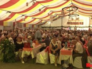 Festivalul Oktoberfest în Est, deschis cu o imensă paradă, muzică, distracţie şi bere