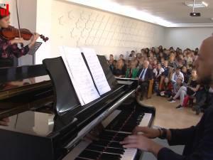 """Colegiul de Artă """"Ciprian Porumbescu"""" l-a omagiat pe marele compozitor al cărui nume îl poartă"""