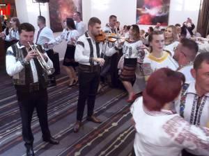 """Taraful Florin Mucea, concert de excepţie la """"Seara costumului popular"""", eveniment organizat la Londra"""