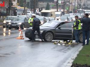 O femeie a murit, iar copilul ei de 1 an şi 6 luni se află în comă, în urma unui groaznic accident petrecut pe o trecere de pietoni din Suceava