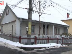 Doi bătrâni, soț și soție, au fost găsiți morți în locuință, intoxicați cu gazele din sobă