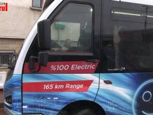Un autobuz electric de mici dimensiuni circulă de mâine pe străzile Sucevei