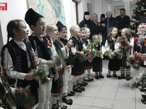 """""""Istețeii"""" de la Moldovița, primii colindători la Monitorul de Suceava"""