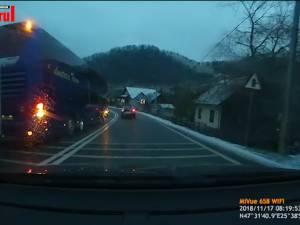Filmări tot mai dese cu şoferi care fac depăşiri foarte periculoase pe şoselele din judeţ