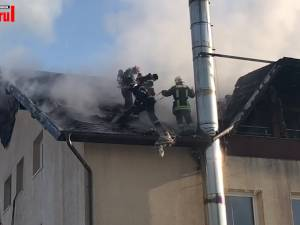 62 de bătrâni au fost evacuați marți dimineață, în urma unui incendiu la un centru de îngrijiri din Vama