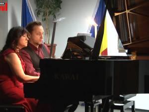 Recital de pian la patru mâini cu doi artişti de talie internaţională, pe scena Colegiului de Artă