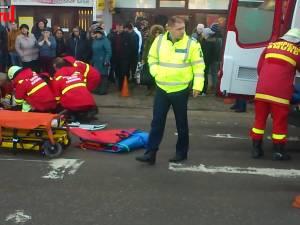 O femeie a fost călcată de o autobasculantă pe str. Gheorghe Doja din municipiul Suceava