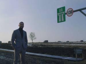 Omul de afaceri sucevean Ştefan Mandachi a construit în judeţ primul metru de autostradă din Moldova
