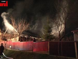 Incendiu foarte puternic la o casă din Burdujeni Sat
