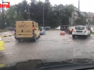 Străzile din Suceava inundate după o ploaie torentială