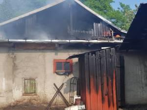 Joaca copiilor cu focul a dus la izbucnirea unui incendiu în satul Petia