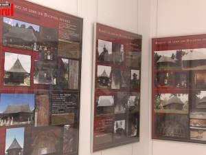 """Adevărate opere de artă ale meşterilor populari, """"Biserici de lemn din Bucovina istorică"""", în imagini şi documente, pot fi văzute la Muzeul de Istorie"""