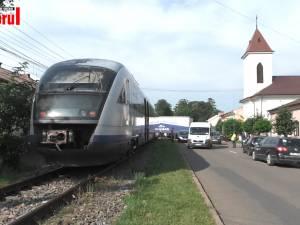 Tren blocat de un tir rămas pe calea ferată