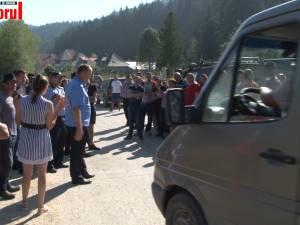 Protest pe Valea Brodinei din cauza drumului județean, plin de gropi și aproape impracticabil