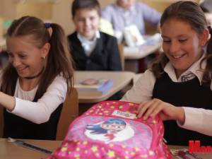 """Campania de ajutorare a copiilor necăjiţi """"Cumperi tu, primesc şi ei!"""", ediţia a V-a, la Alexandria Librării"""