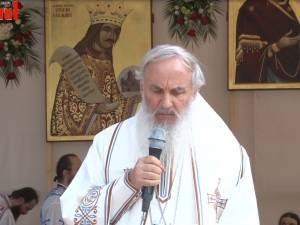 Sute de credincioşi au participat duminică la sărbătorirea a 550 de ani de la sfinţirea Mănăstirii Putna