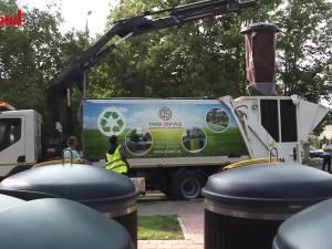 Noul sistem de colectare al deșeurilor, cu containere semi-îngropate, a fost inaugurat