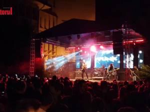 """Concert Vunk, cu """"bobocii"""" și părinții lor, la deschiderea anului universitar la USV"""
