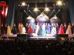 """""""Nopţi arabe"""" - o fascinantă poveste cu tineri frumoşi şi talentaţi, la Balul Bobocilor Colegiului Naţional """"Petru Rareş"""""""