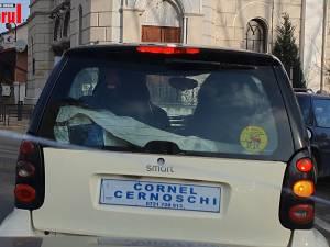 """Suceveanul care și-a """"înmatriculat"""" mașina cu numele său a continuat să iasă în trafic și a ajuns în arest"""