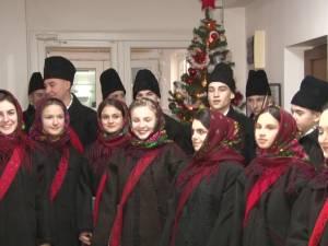 """Grupul """"Ai lui Ștefan, noi oșteni"""" din Vicovu de Sus a adus vestea nașterii Domnului"""