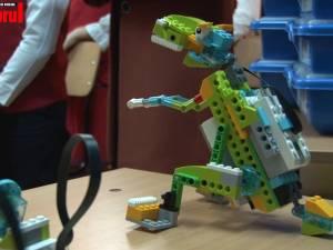 Kituri de robotică din partea Lego, pentru școala din Ipotești, în urma câștigării unui concurs internațional