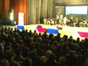 """Gala """"10 pentru folclor"""", organizată sub egida """"Suceava, 632 de ani de atestare documentară"""", a reunit zeci de artişti din toată ţara"""