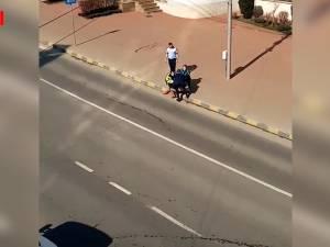 Femeie retinuta pe stradă