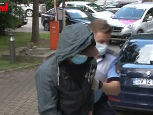 Premieră în Suceava: doi bărbaţi, băgați în arest pentru maltratarea unui cal