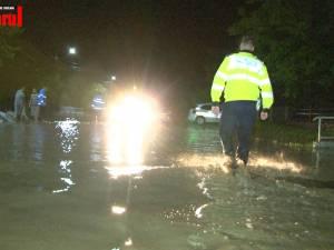 Noi precipitații violente au inundat drumuri și gospodării