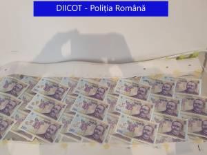 """Ancheta privind """"cel mai mare falsificator de bancnote din istorie"""" a plecat de la bancnote false plasate pe piața din Suceava"""