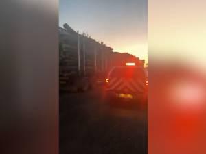 Patru camioane cu lemne, supraîncărcate, depistate de ISCTR, în urma sesizării unui activist
