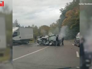 Impact violent între o autoutilitară și un autoturism pe DN 17 în zona Ilișești